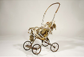 Cradle sculpture for Africa by Lee Lee